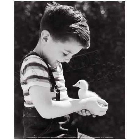 Roberts Armstrong - Garçon portant un caneton - Affiche 24x30 cm