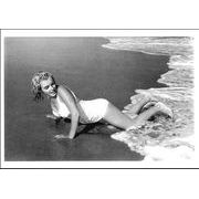 Carte Marilyn Monroe - Pin Up à la plage - 10.5x15 cm