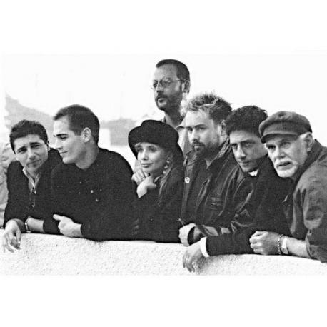Affiche Le Grand Bleu - Luc Besson et son équipe - Dim: 50x70 cm