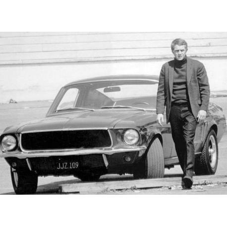 Affiche Bullitt - Steve Mc Queen et sa Ford Mustang - Affiche 50x70 cm