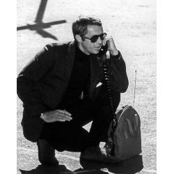 Affiche Steve Mc Queen - Au téléphone Bullitt - Dimension 24x30 cm