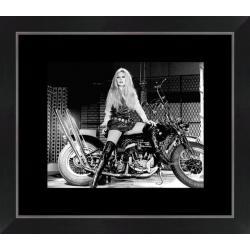 Affiche encadrée Brigitte Bardot - Harley Davidson - 24x30 cm (Cadre Tucson)