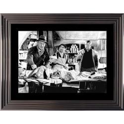 Affiche encadrée Noir et Blanc: La Traversée de Paris - Gabin Bourvil Funés - 50x70 cm . (Cadre Glascow)