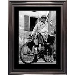 Affiche encadrée Noir et Blanc: Jacques Tati - Mon oncle - 50x70 cm (Cadre Glascow)