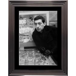 Affiche encadrée Noir et Blanc: Gainsbourg - Flipper - 50x70 cm (Cadre Glascow)