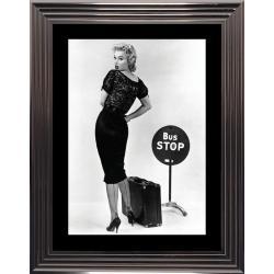 Affiche encadrée Noir et Blanc: Bus Stop - Marilyn Monroe - 50x70 cm (Cadre Glascow)