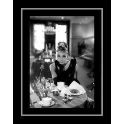 Affiche encadrée Audrey Hepburn - 50x70 cm