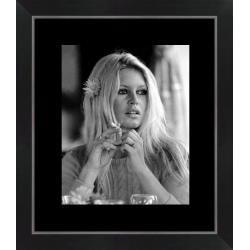 Affiche encadrée Brigitte Bardot - Portrait - 24x30 cm (Cadre Tucson)