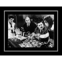 Affiche encadrée Noir et Blanc: Les Tontons Flingueurs - Touche pas au Grisby - 50x70 cm (Cadre Tucson)