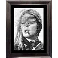 Affiche encadrée Noir et Blanc: Brigitte Bardot - 50x70 cm (Cadre Tucson)
